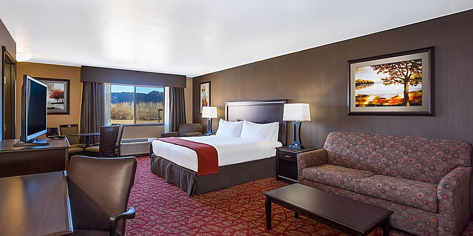 holiday Inn Express Suite king Image